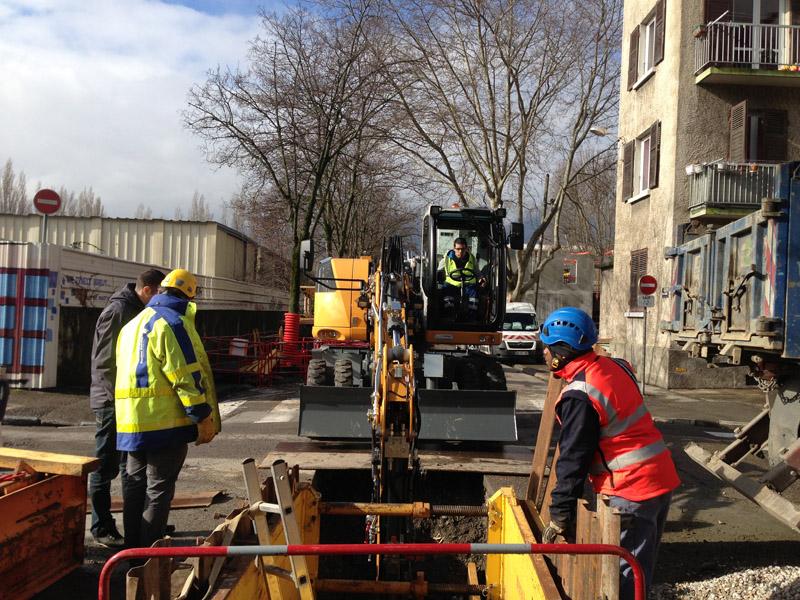 Maxiloc location mat riel tp lyon rh ne chantier grenoble d marrage a910 - Location camion grenoble ...