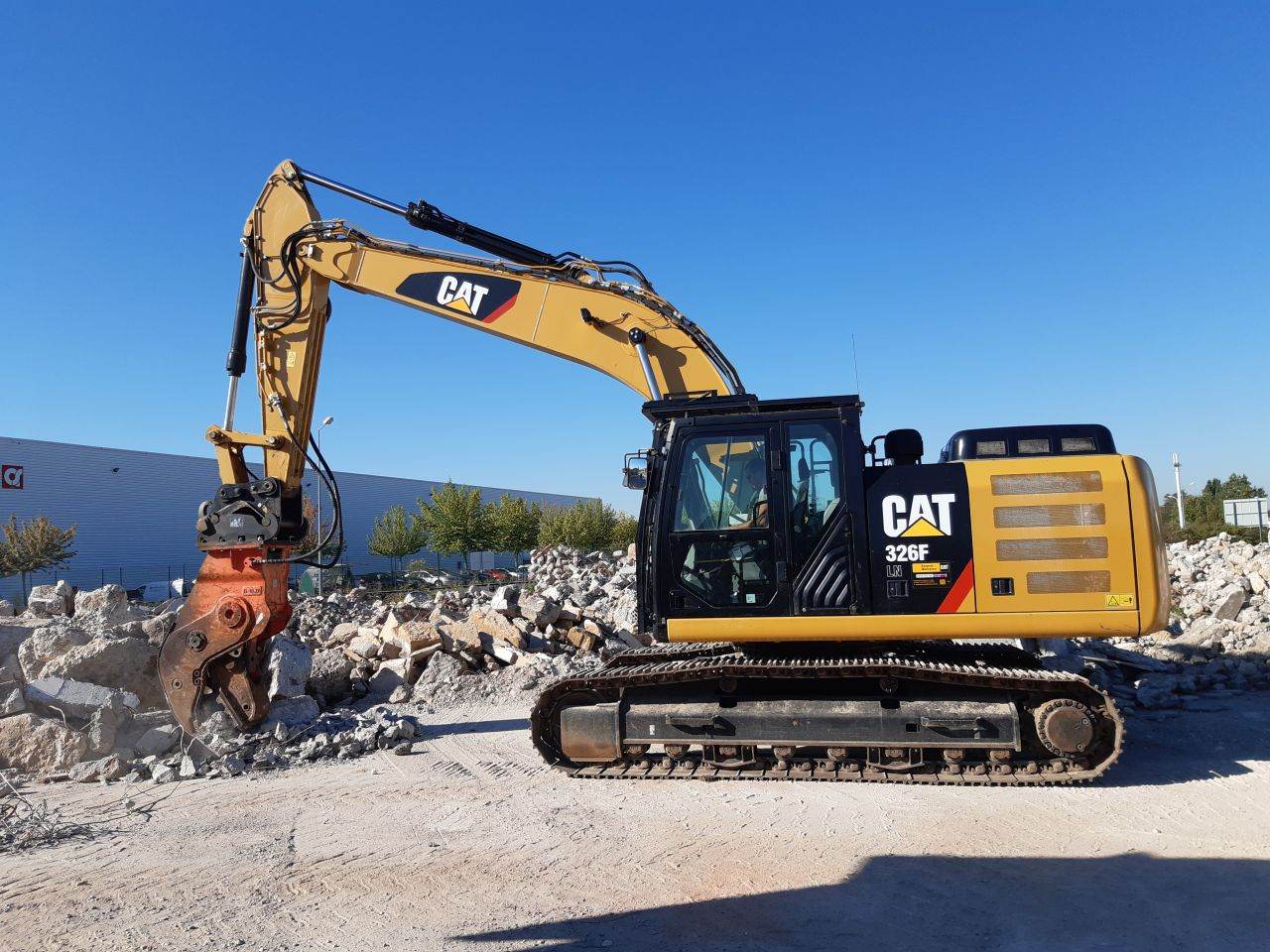 Location Pelle Cat 326
